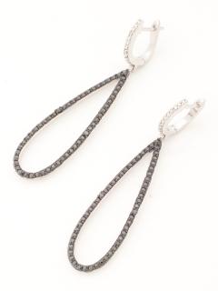 ブラックダイヤモンド&ホワイトダイヤモンドダングルピアス(AMOUR認定書カード付)