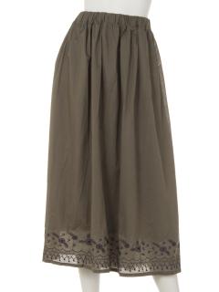 裾刺しゅうスカート