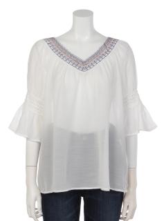 衿刺繍Vネックブラウス