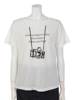 VネックカメラプリントTシャツ