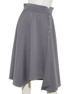 パールボタン付きフレアスカート