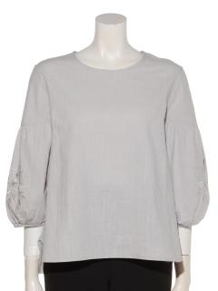 袖刺繍入りプルオーバー