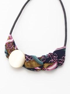 スカーフ編みメタルポイントネックレス