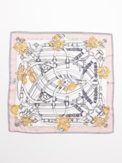 ベルトモチーフ柄スカーフ