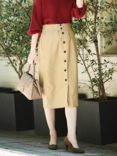 チノフロントボタンタイトスカート