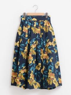 オオバナプリントタックフレアスカート