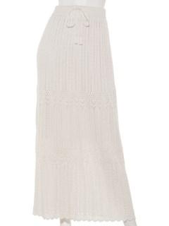 透かし柄ロングスカート