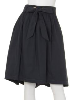 ハトメヘムラインスカート