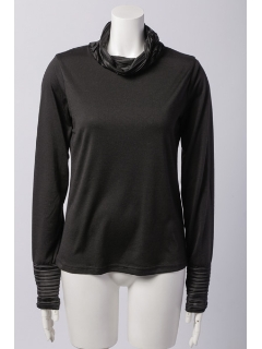 タートル 衿、袖口プリーツ 長袖Tシャツ
