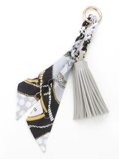 スカーフ付きタッセルキーホルダー