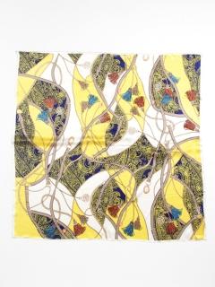 タッセル付きスカーフ