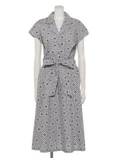 パリジェンヌ風スタイルのシャツワンピース