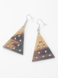 india三角カットワークピアス
