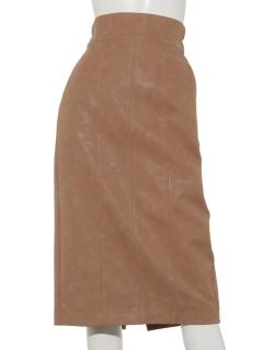 フェイクレザーセミタイトスカート