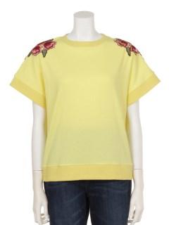 肩花柄刺繍Tシャツ