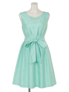 ウエストリボン付ドレス