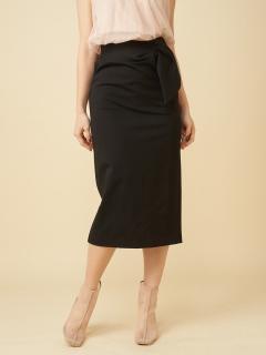 ウエストラッフルボタンタイトスカート