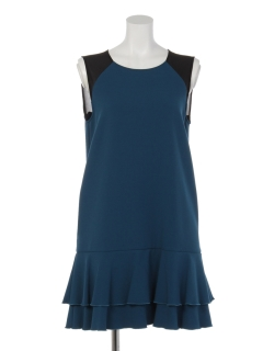 フリルデザインドレス