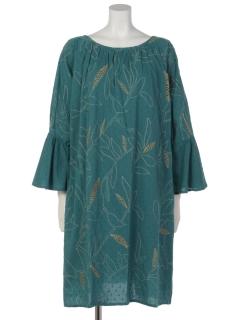 ボタニカル刺繍フレアスリーブワンピース