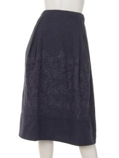 木の実刺繍スカート