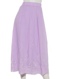 裾刺繍タックロングスカート