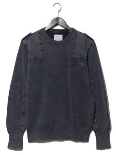 刺繍コマンドセーター