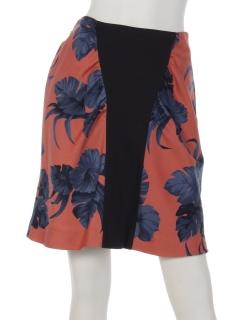 フラワープリントポンチスカート