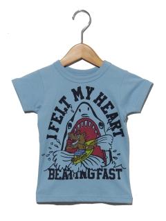食いつきサメTシャツ
