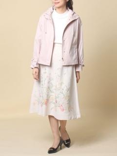 線刺繍フレアスカート