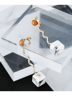 【Bijou R.I】Wavy Square Earring