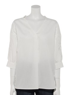 YECCA VECCA袖刺繍Vネックシャツ