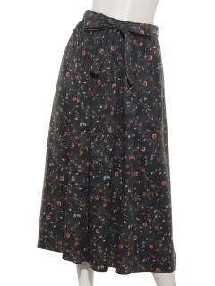 壁紙風花柄スカート