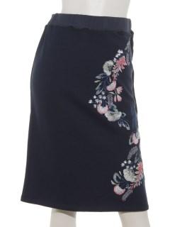 裏毛刺繍タイトスカート