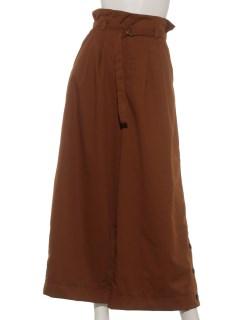 裾釦フレアパンツ