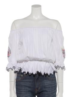 オフショルダー刺繍袖ブラウス