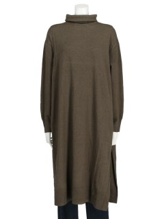 【chocol raffine robe】サイドスリットハイネックニットワンピース