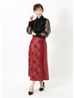 刺繍フェイクレザースカート