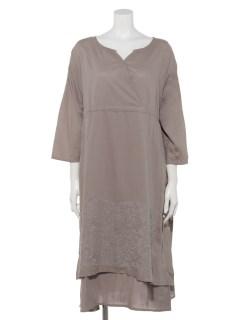 クロスステッチ刺繍ドレス