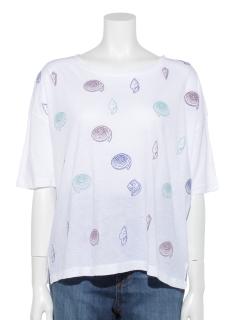 貝殻刺繍Tシャツ