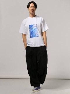 【SAYO NAGASE】 SHINJUKU STROLL Tシャツ