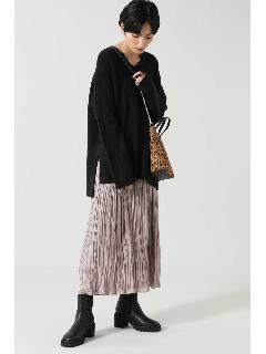 ニットトップス+プリーツスカート
