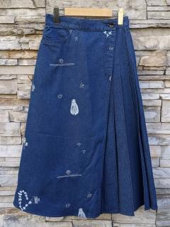 アーティストコラボ「星なる実り」抜染×ラメ刺しゅうライトオンスデニムスカート